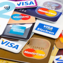 Make The Smart Selection Between a Credit score And a Debit Card
