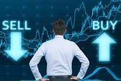 Is It Best To Invest In The NYSE: DVN Stock?