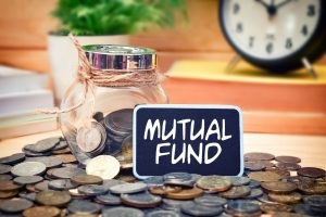 SHOULD YOU INVEST DIRECTLY OR THROUGH MUTUAL FUNDS